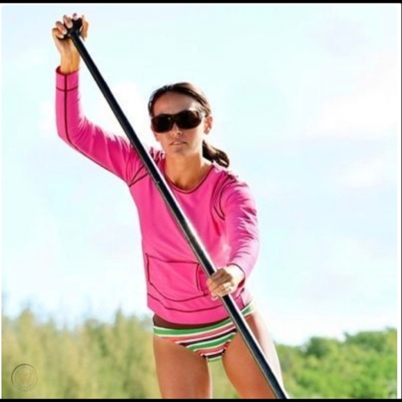 Athleta Summer Shade Swim Tee Rash Guard